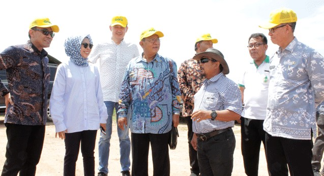 GGF's Local sourcing banana farmer, have a dialog with Minister of Economic Coordinator