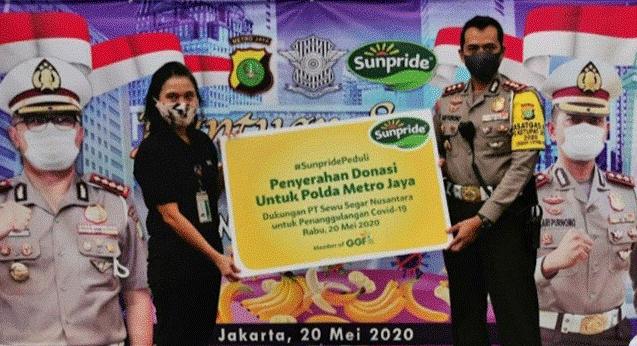 Sunpride Serahkan Donasi 1,3 Ton Pisang kepada Dirlantas Polda Metro Jaya